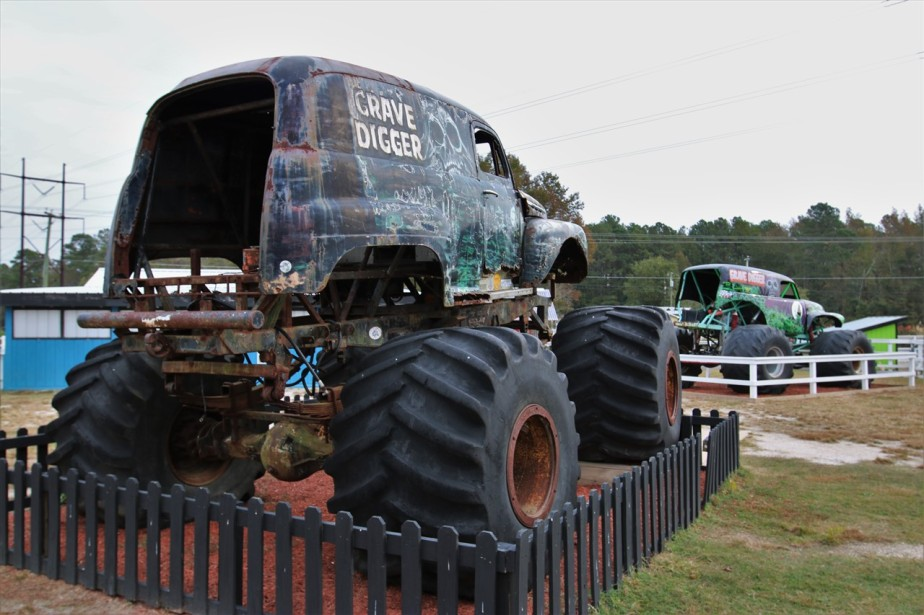2016 11 09 17 Poplar Branch NC Monster Truck Ranch.jpg