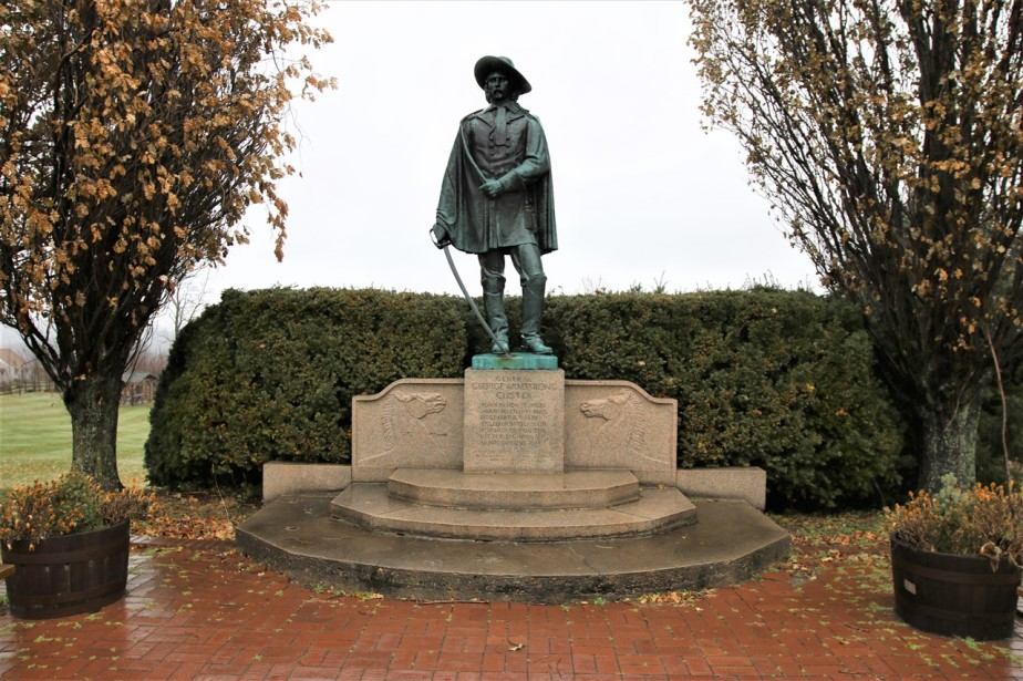 2016 12 24 21 New Rumney OH Custer Monument.jpg