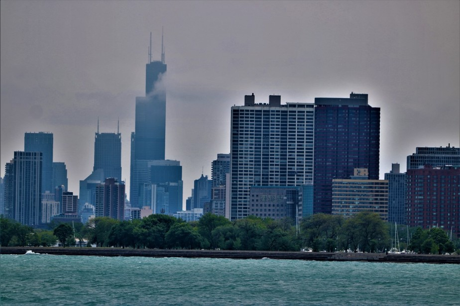 Chicago – May 2017 – Cloudy Views from the Lincoln Parkneighborhood