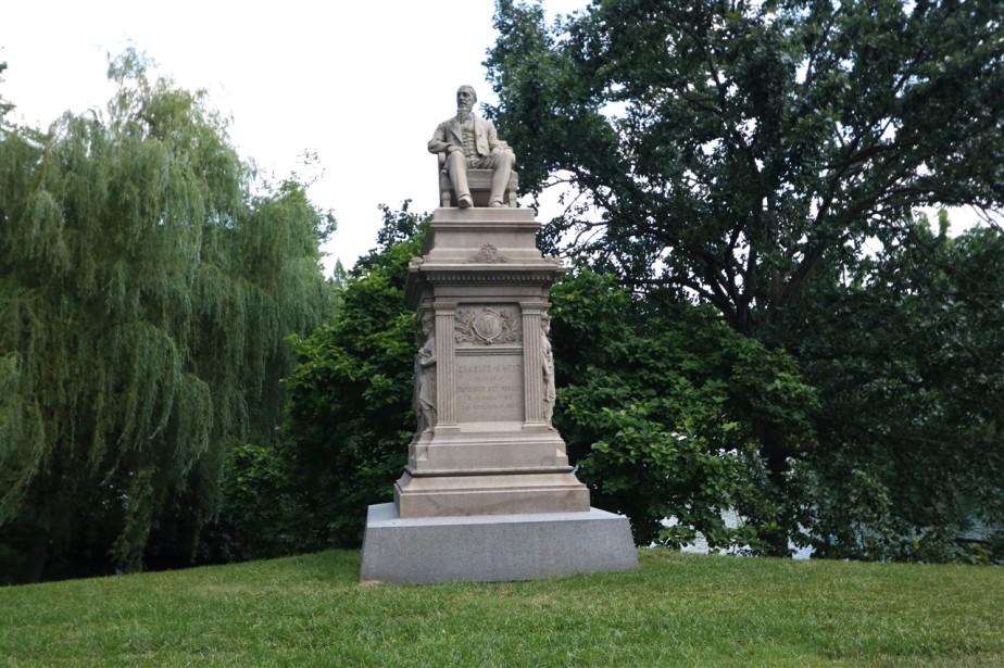 2017 06 11 194 Cincinnati Spring Grove Cemetery & Arboretum.jpg