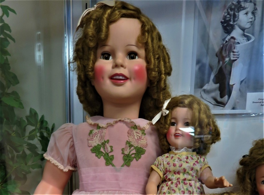 2017 07 08 54 Canal Winchester OH Doll Museum.jpg