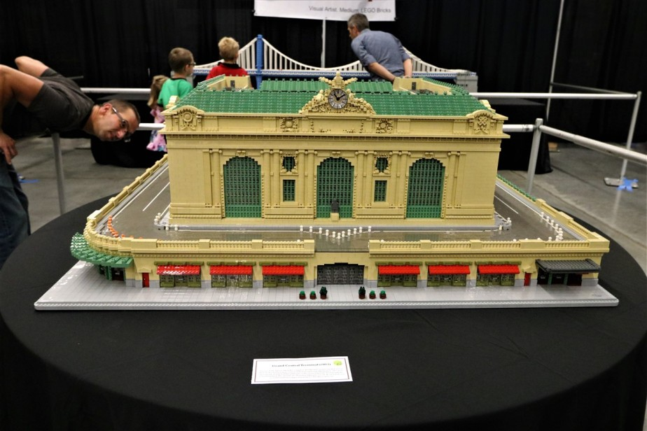 2017 09 30 15 Cleveland Lego Convention.jpg