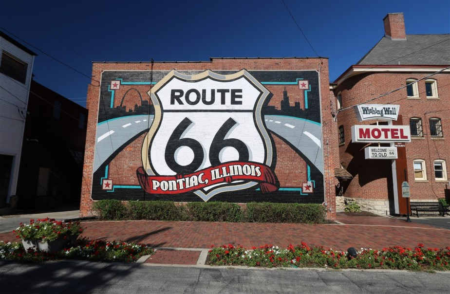 2017 10 16 86 Pontiac IL Route 66.jpg