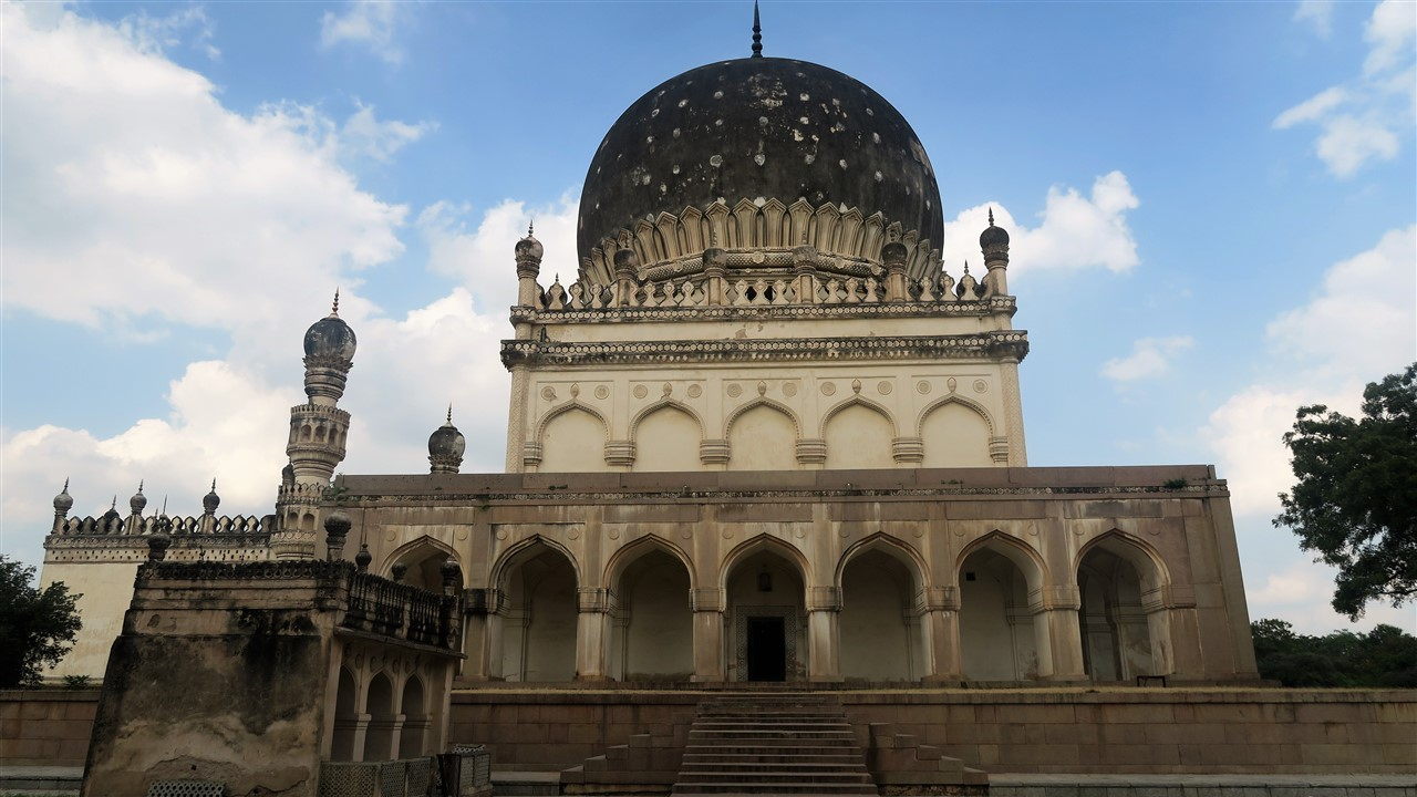 2017 11 17 12 Hyderabad Qutb Shahi Tombs.jpg