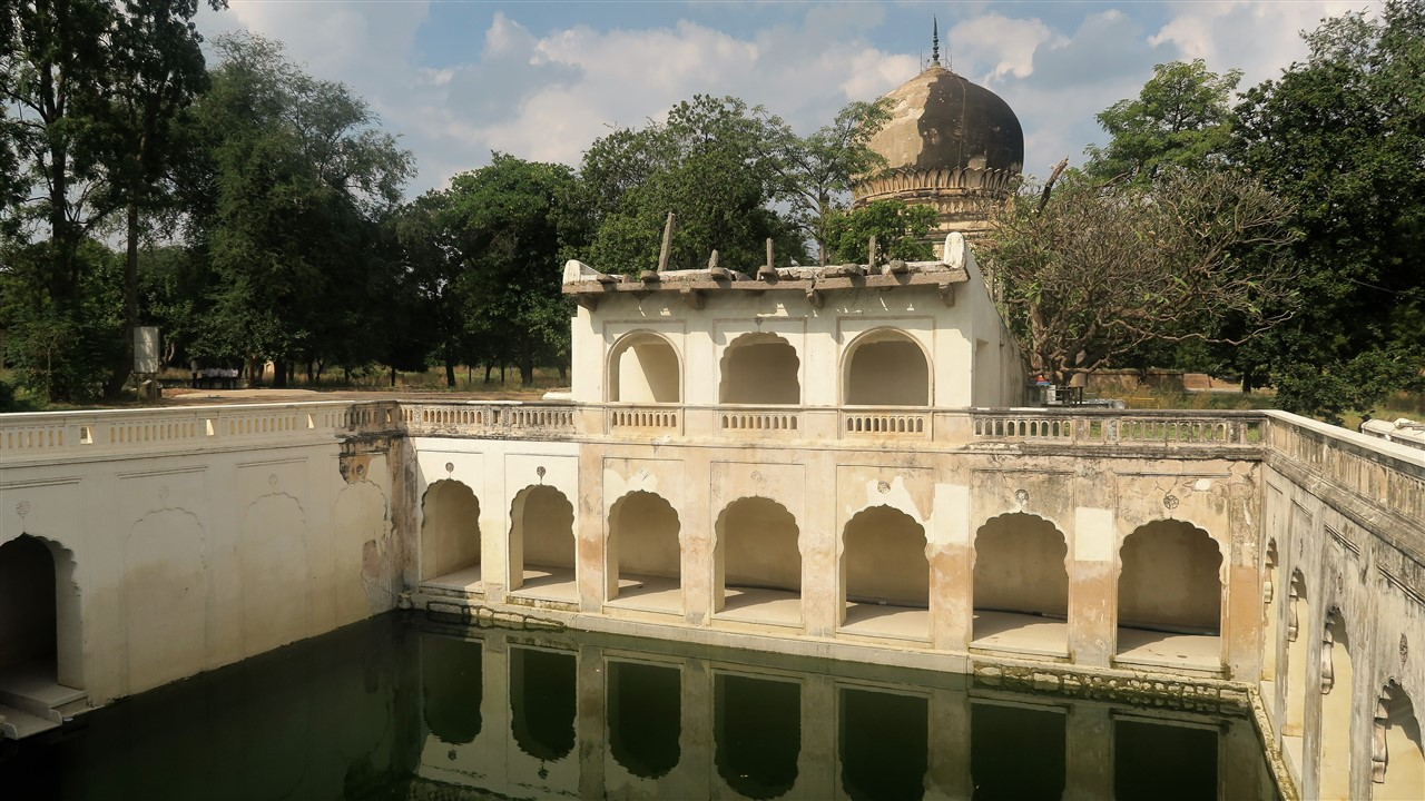 2017 11 17 41 Hyderabad Qutb Shahi Tombs.jpg
