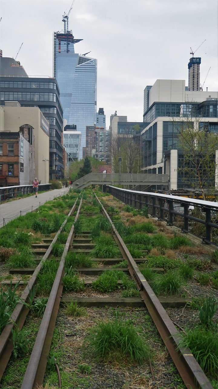 New York City – April 2018 – Sunday Morning on the High Line