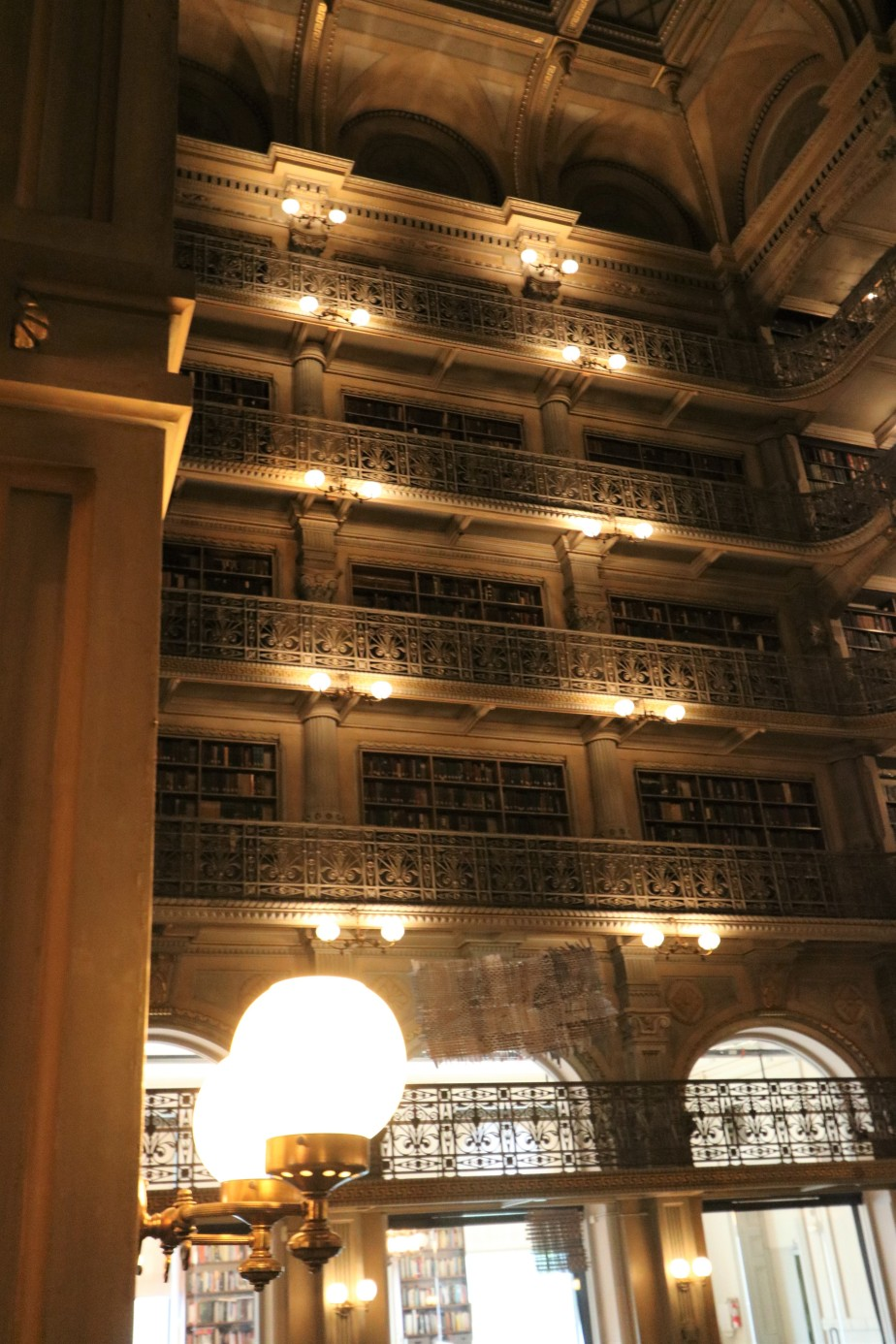 2018 05 04 19 Baltimore Peabody Library.jpg