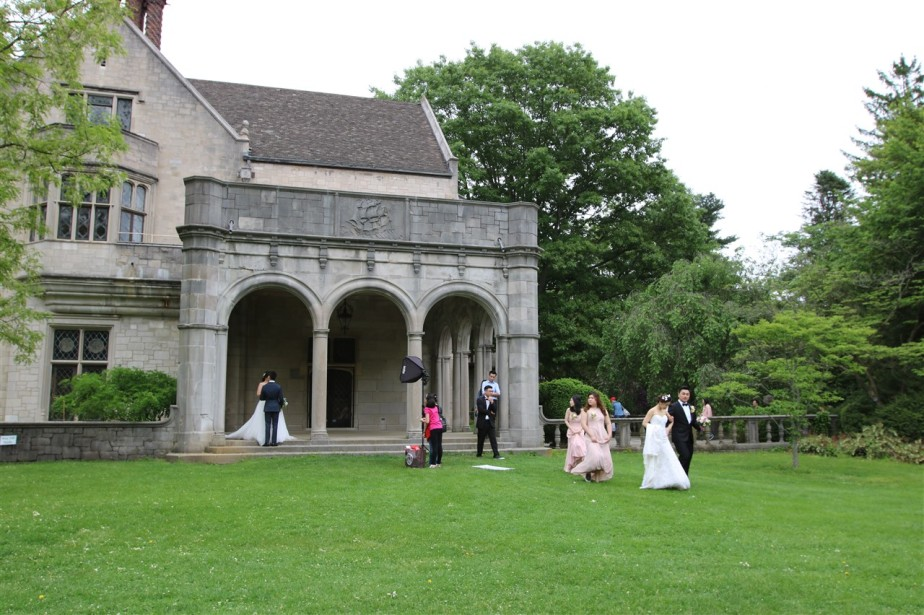 Oyster Bay, NY – May 2018 – Running of the Brides at Planting FieldsArboretum