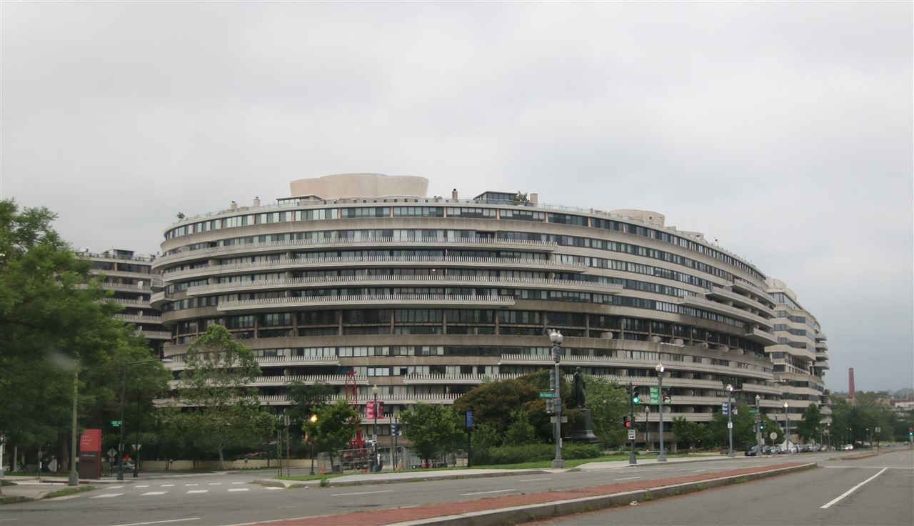 2018 06 03 384 Washington DC Watergate.jpg