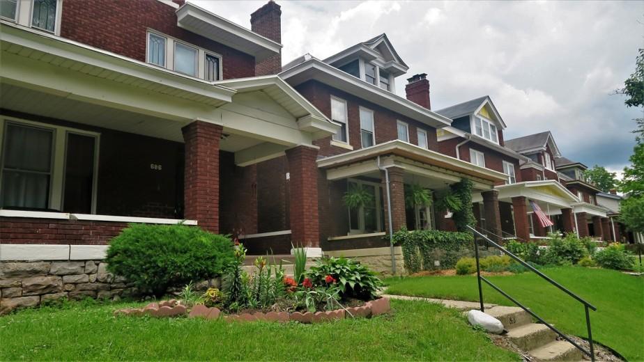 Columbus – June 2018 – Old Oaks Neighborhood House and GardenTour
