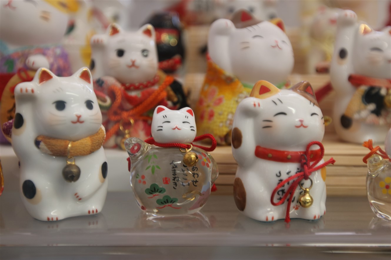 2018 06 30 85 Cincinnati Lucky Cat Museum.jpg