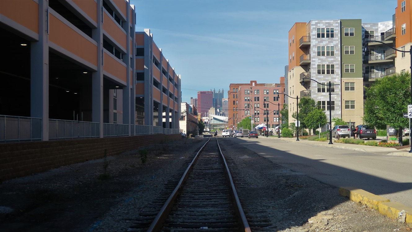 2018 07 08 15 Pittsburgh Strip District.jpg