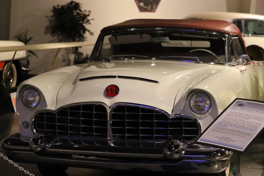 2018 08 05 252 Warren OH Packard Museum.jpg