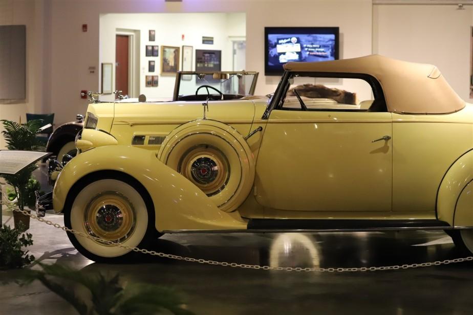 2018 08 05 257 Warren OH Packard Museum.jpg