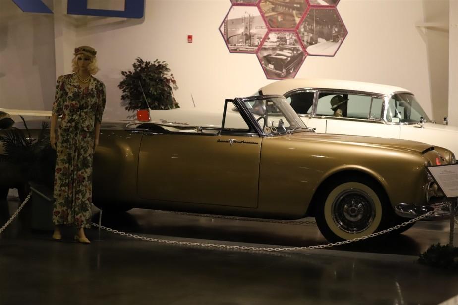 2018 08 05 275 Warren OH Packard Museum.jpg