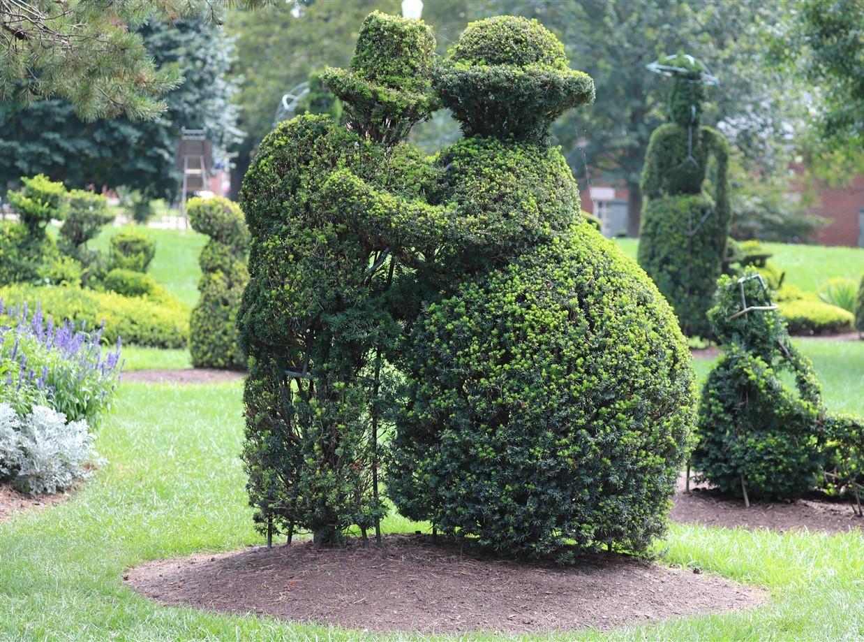 2018 08 26 115 Columbus Topiary Park.jpg