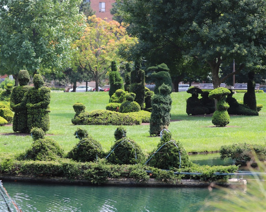2018 08 26 123 Columbus Topiary Park.jpg
