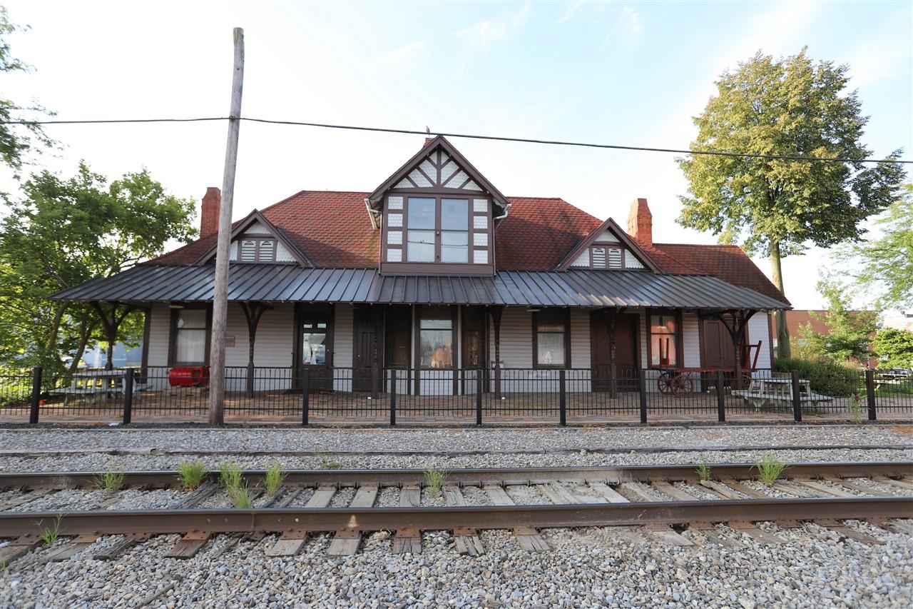 2018 08 31 19 Ada OH Train Depot.jpg