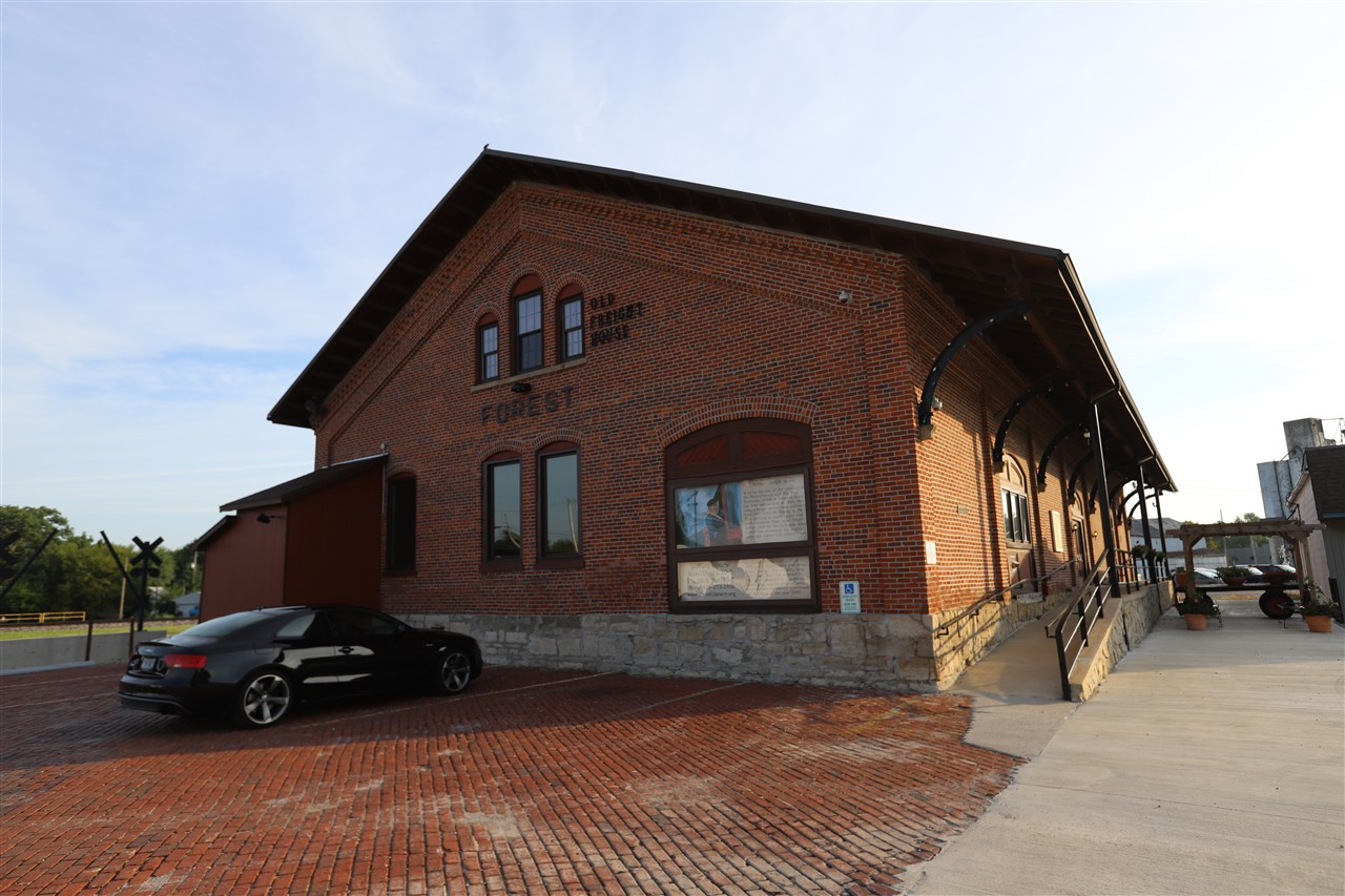 2018 08 31 2 Forest OH Train Depot.jpg