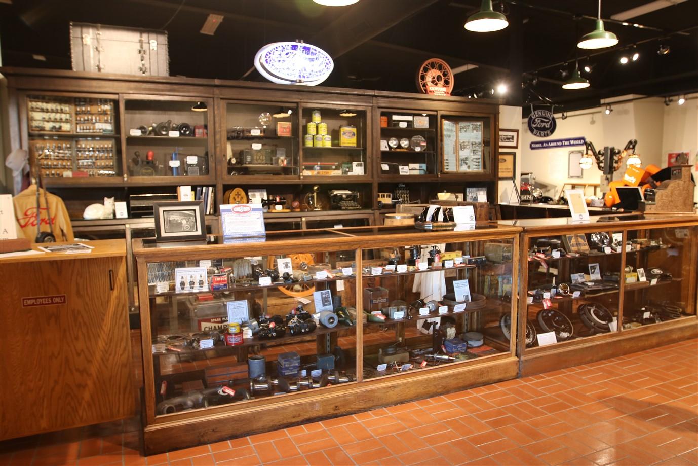 2018 09 03 361 Hickory Corners MI Gilmore Car Museum.jpg