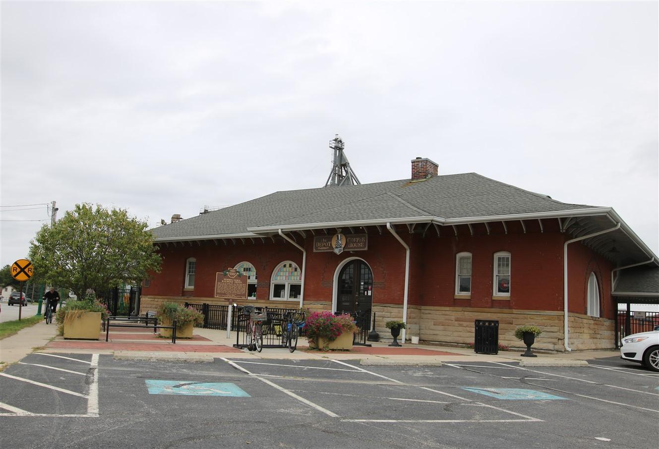 2018 09 22 335 Urbana OH Train Depots.jpg