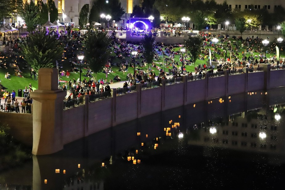 2018 09 29 238 Columbus Water Lantern Festival.jpg
