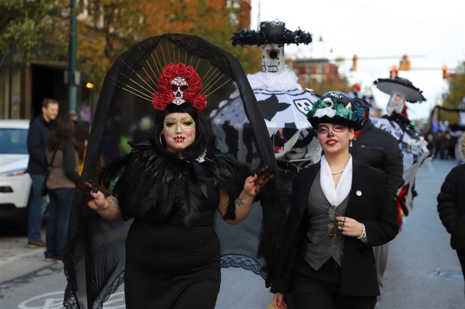 2018 11 03 232 Cleveland Day of the Dead Parade.jpg