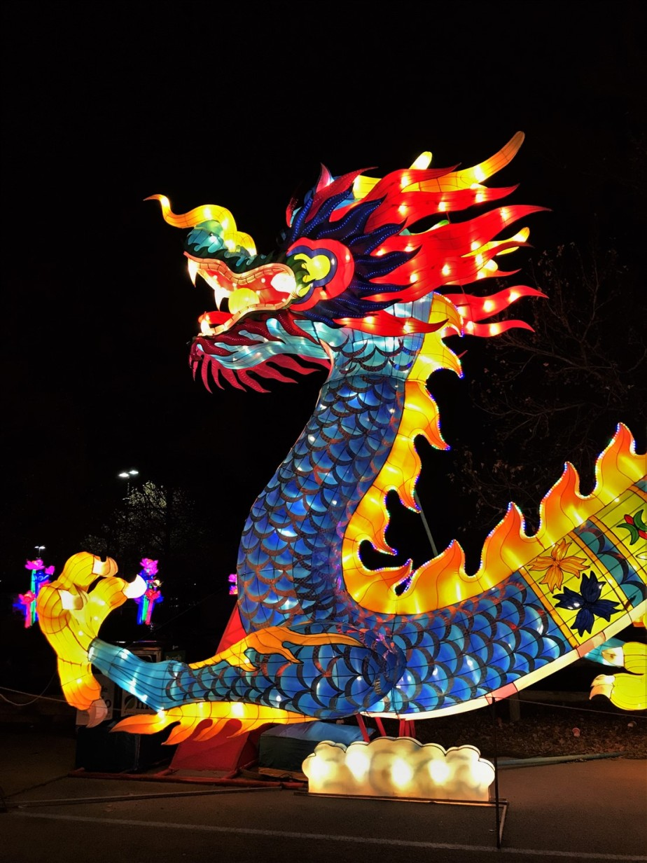 Columbus – December 2018 – Annual Visit to the Dragon Lights