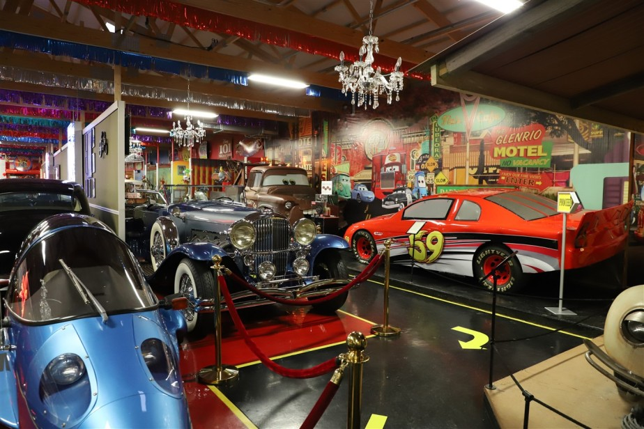 Volo, Illinois – December 2018 – Movie Cars and More