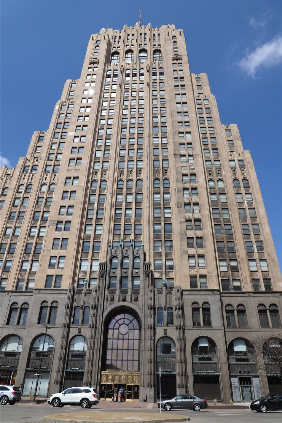 Detroit – April 2019 – The Fisher Building – RDZ Photography