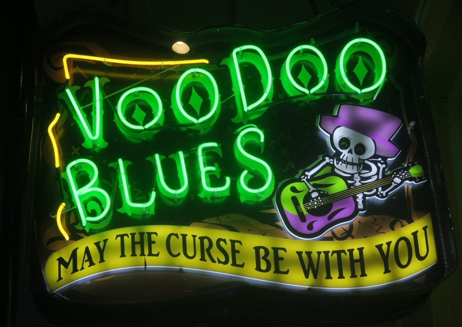 New Orleans – May 2019 – The Signs of BourbonStreet
