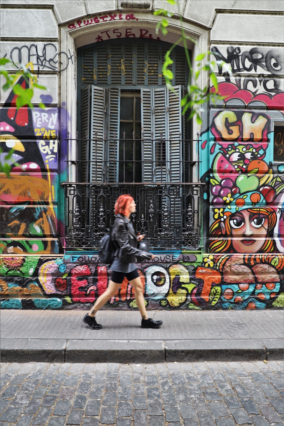 Buenos Aires – December 2019 – The People and Street Art of the Palermo Soho Barrio