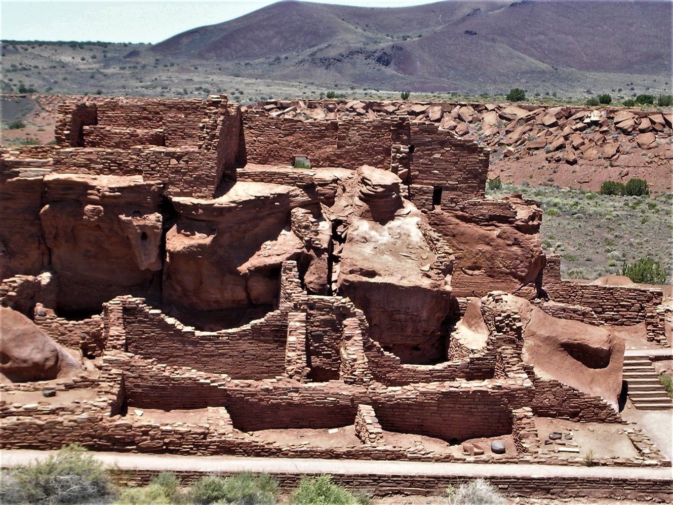 2005 06 26 Wupataki Ruins Arizona 1.jpg