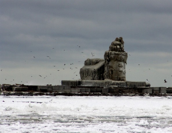 2010 12 27 Frozen Cleveland 9