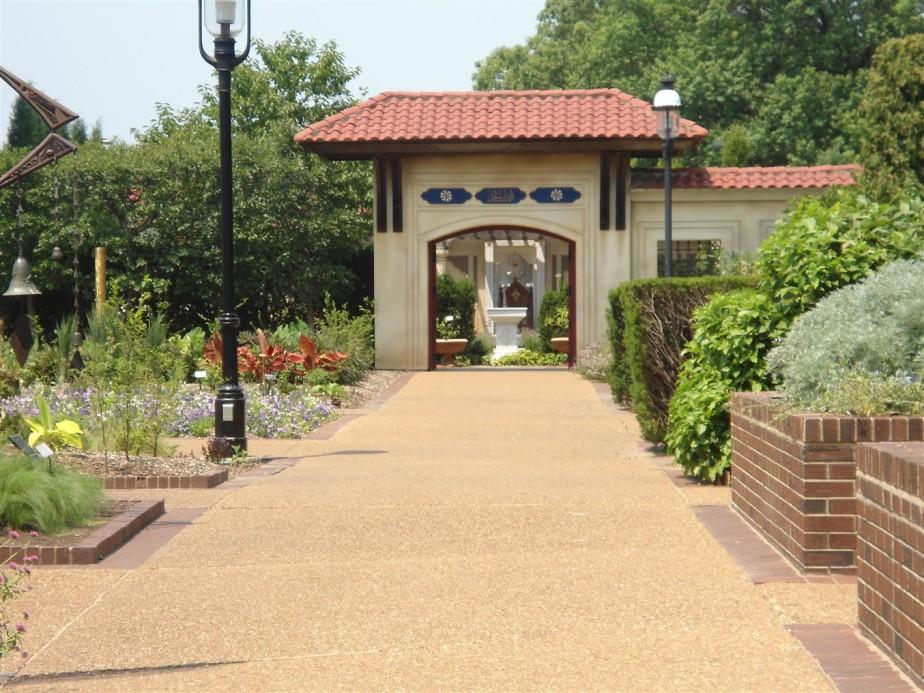 2012 06 30 106 St Louis Missouri Botanical Gardens.jpg