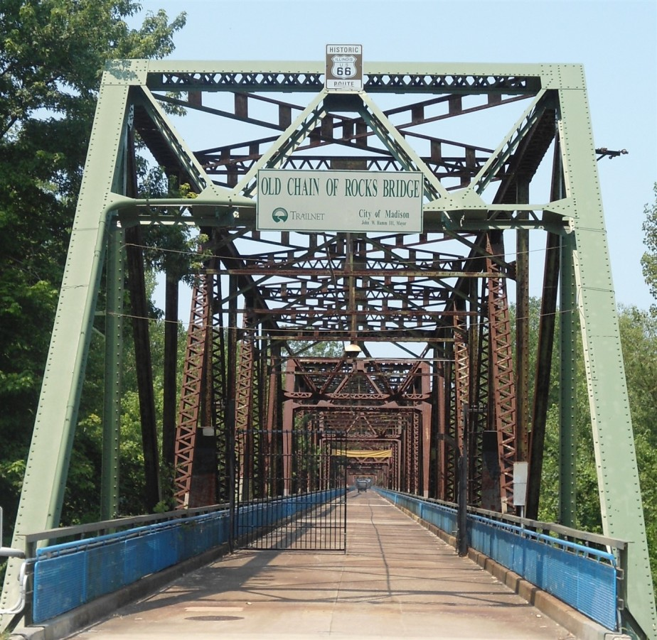2012 06 30 58 St Louis Chain of Rocks Bridge.jpg