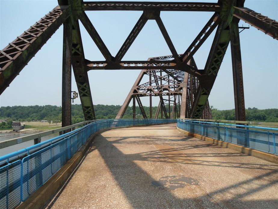 2012 06 30 66 St Louis Chain of Rocks Bridge.jpg