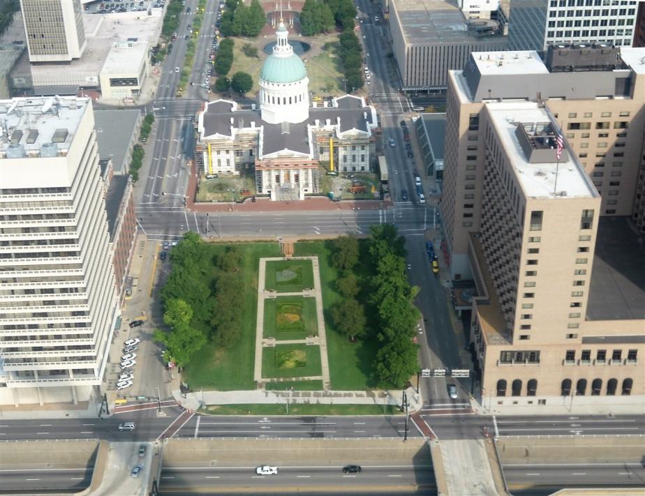 2012 07 01 16 St Louis Gateway Arch.jpg