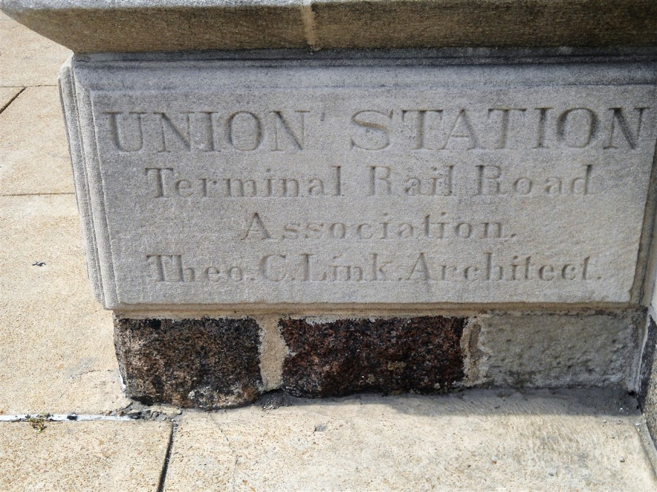2012 07 01 81 St Louis Union Station.jpg