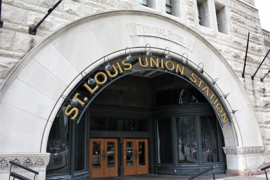 2012 07 01 93 St Louis Union Station.jpg