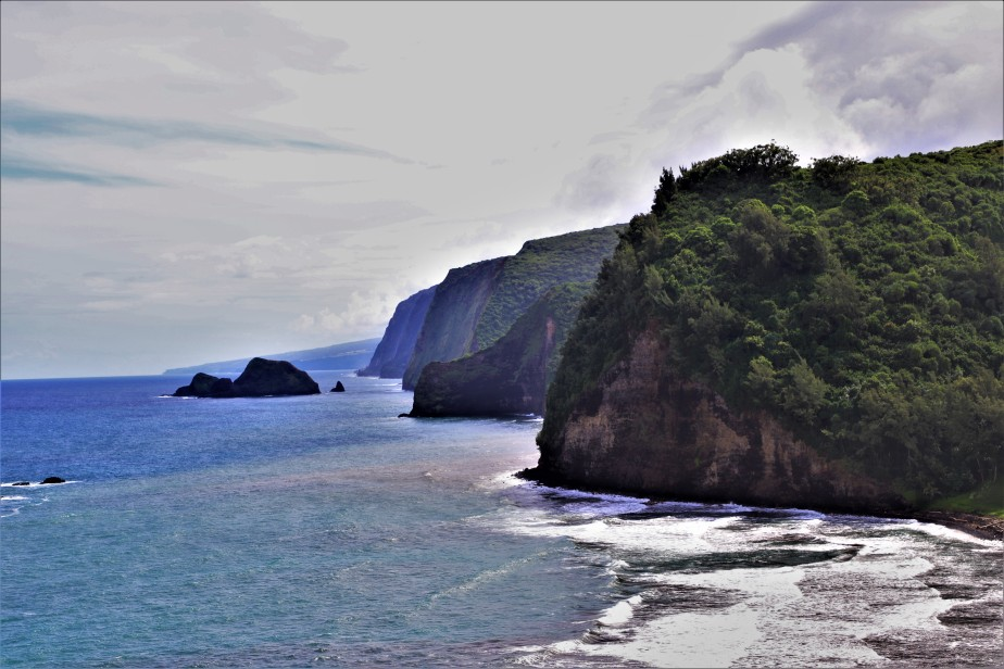 2018 11 16 35 Pololu Valley Overlook HI.JPG