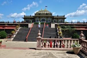 2017 07 02 14 New Vrindabad WV Palace of Gold
