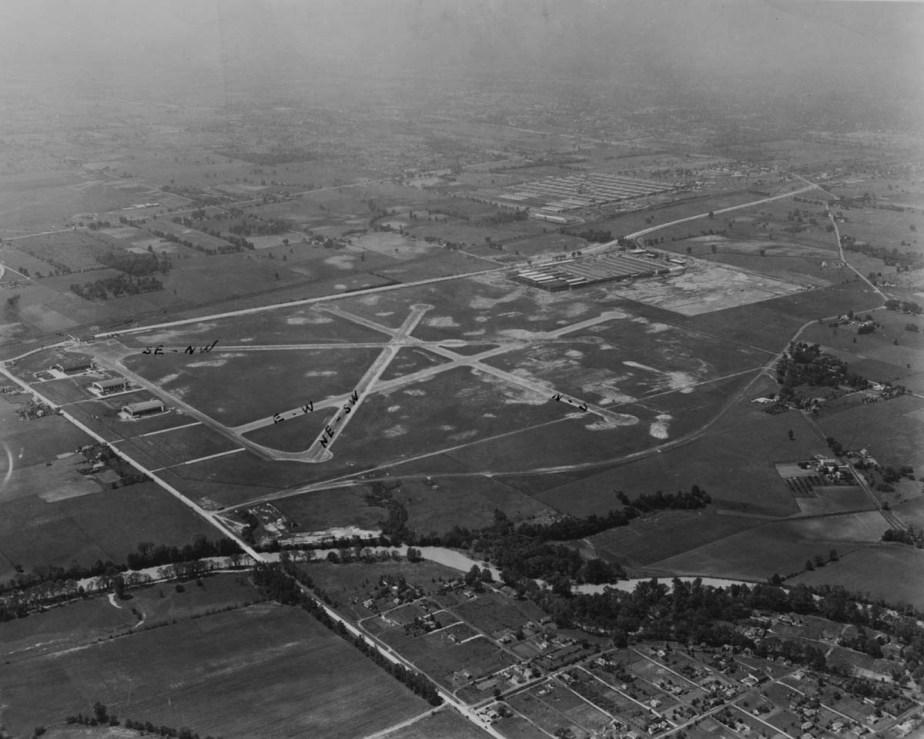 airport 1941-1200.jpg